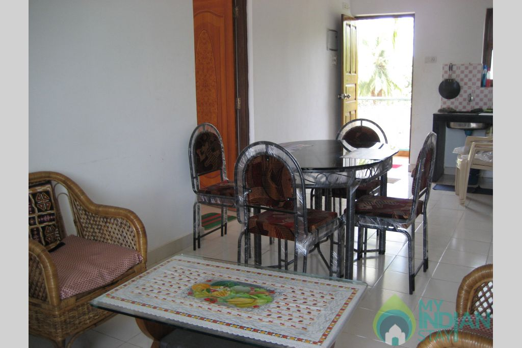 Dinning room in a Self Catered Apartment in Candolim, Goa