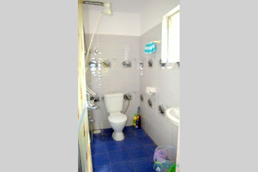 SUPERIOR BATHROOM in a Guest House in Bogmalo, Goa