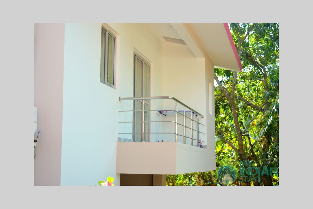 SUPERIOR BALCONY in a Guest House in Bogmalo, Goa