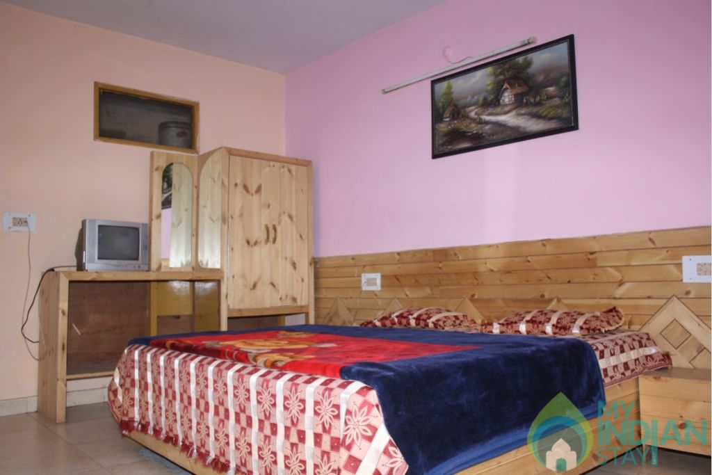 Super Deluxe Rooms in a Guest House in Kasol, Himachal Pradesh