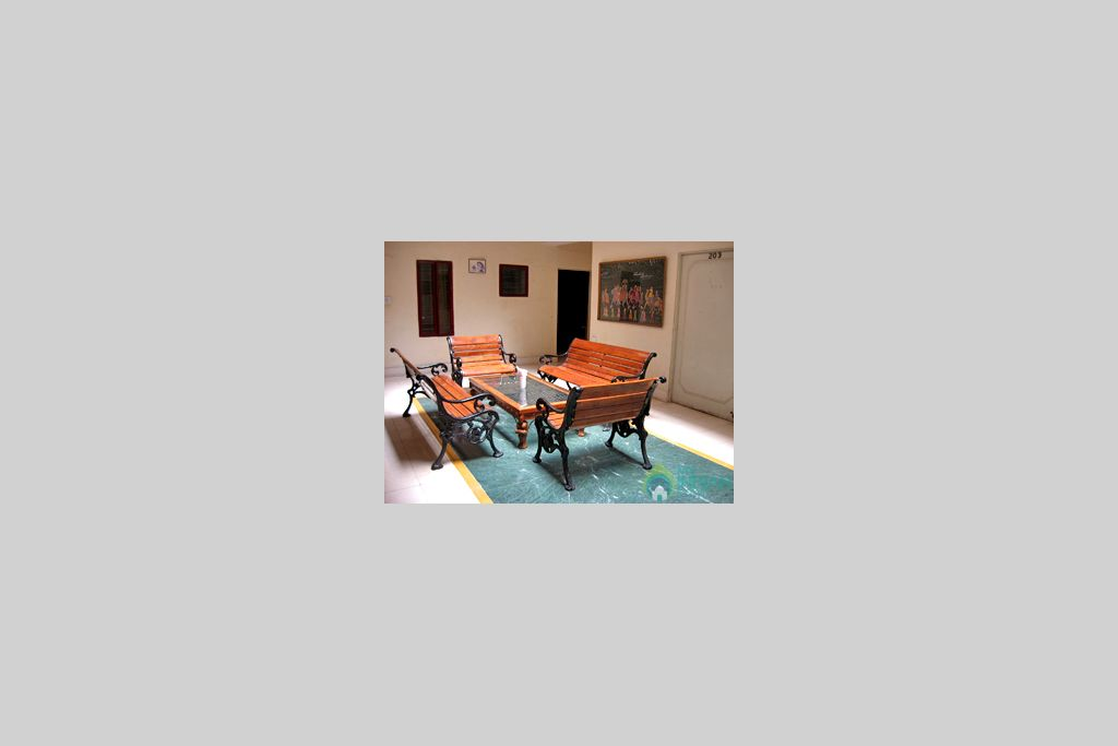 Floor_Lobby in a Guest House in Jaipur, Rajasthan