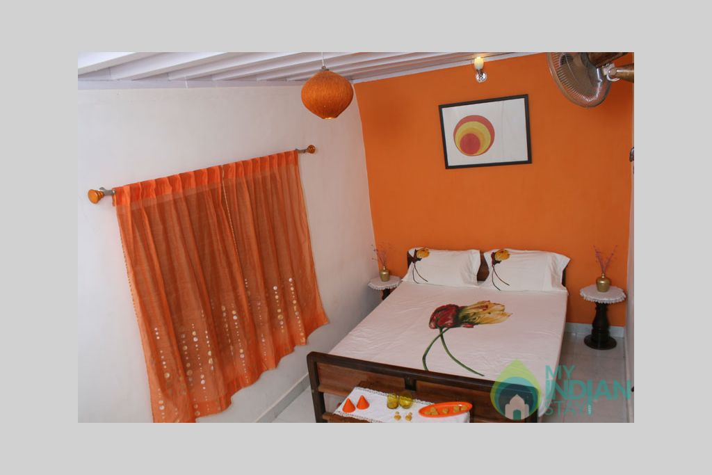 orange_room in a Bed & Breakfast in Madikeri, Karnataka