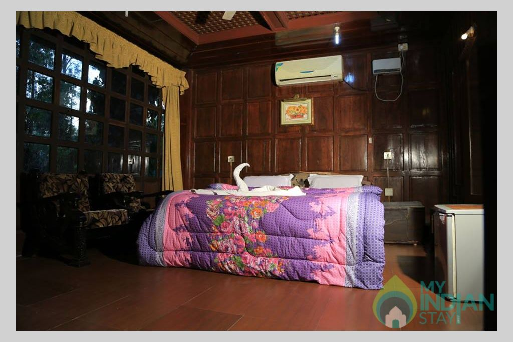 Coorg County Resort--AC Honeymoon Suite1 in a Guest House in Suntikoppa, Karnataka