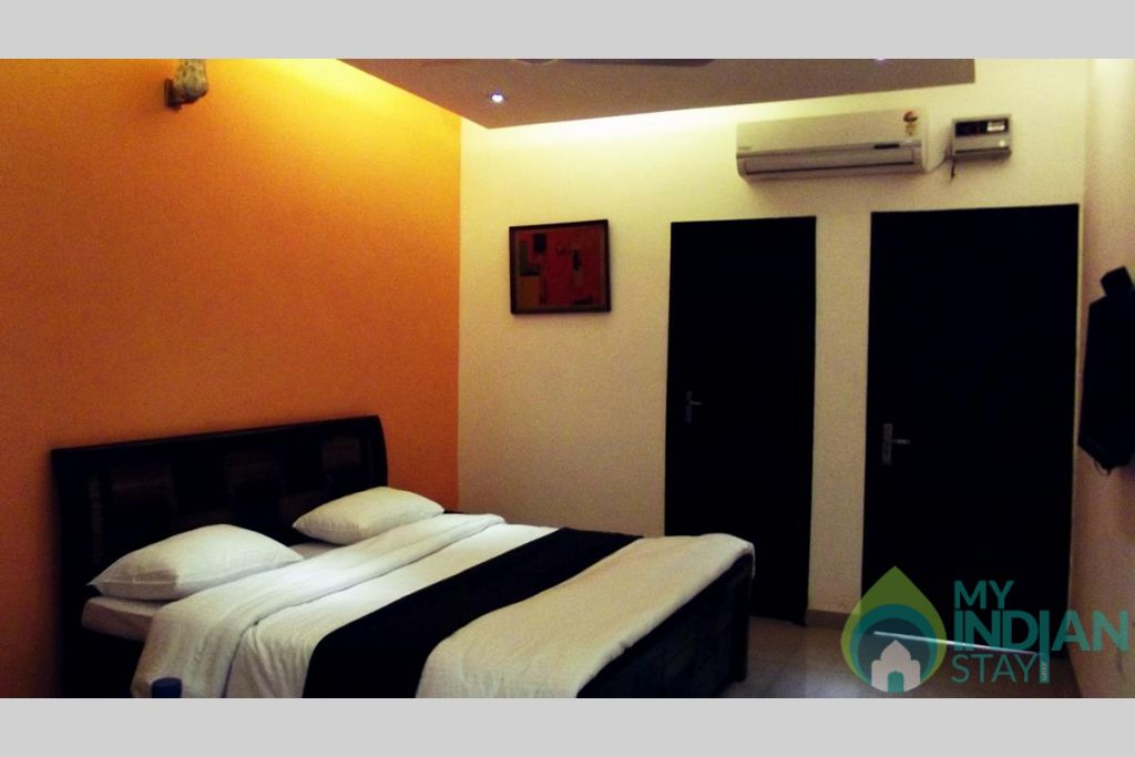 5 in a Bed & Breakfast in New Delhi, Delhi