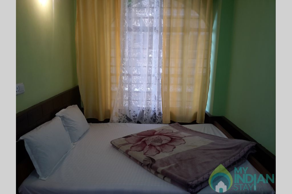 DOUBLE BED ROOM 1 in a Hotel in Darjeeling, West Bengal