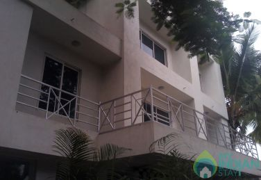 Spacious  A/c Rooms in a Guest House Malad West