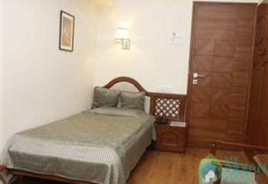 Furnished Deluxe Rooms in a Guest House in Andheri East