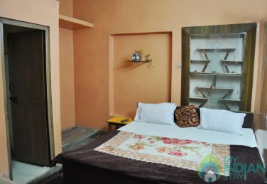 Well Furnished Standard Rooms in a Guest House in New Delhi