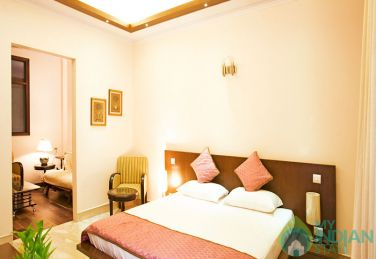 Standard A/C Rooms in a Guest House in New Delhi