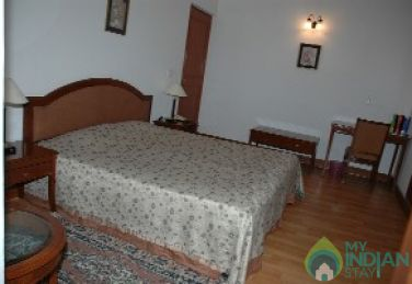 Furnished A/C  Room In A HomeStay in New Delhi