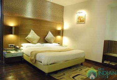Royal Stay With Premium Deluxe Double AC Rooms In Delhi