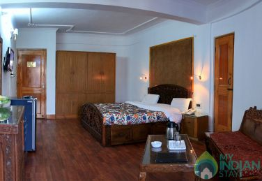 Deluxe Double AC Rooms In Srinagar