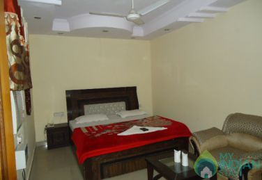Furnished Suite Room In a Boutique Guest House in New Delhi