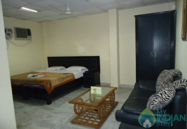 Beautifully Furnished Super Deluxe Rooms in a Guest House in new Delhi