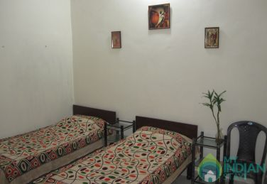 Fully Furnished Deluxe 3 Beded Room in a Guest House in New Delhi