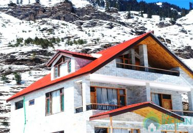 Rooms In 4 Bedroom Cottage With Balcony In Manali