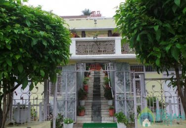 Family Suite In A Guest House In Mount Abu