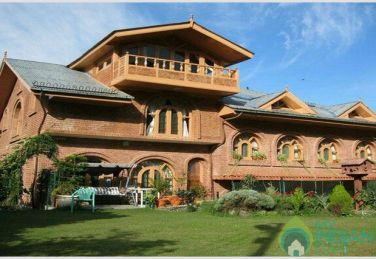 Valley View Rooms In A Guest House In Srinagar