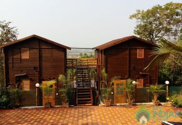 Cozy Wooden Villas Near Candolim