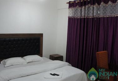 Well Maintain Place To Stay In Srinagar