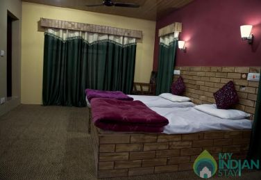 Comfort And Convenient Stay In Srinagar, J&K