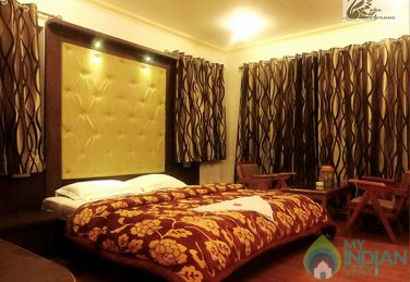 Admirable Place To Stay In Srinagar, J&K