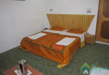 Stay In The Lap Of Natural Splendour, Srinagar