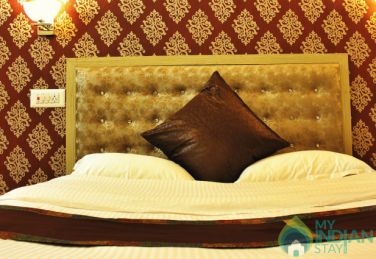 Charming Place To Stay In Srinagar, J&K