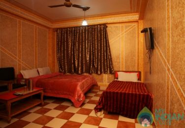 Charming Stay In Srinagar, J&K