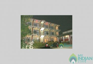 Double Bed Rooms in Bir-Billing, Himachal Pradesh