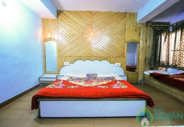 Convenient stay in Shimla