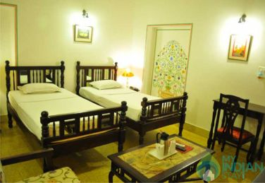 Deluxe AC Rooms With Swimming Pool In Jaipur