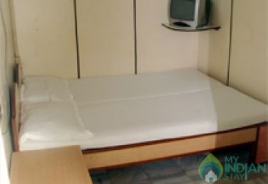 Clean Double Room in Mumbai