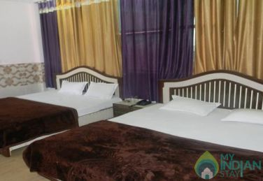 AC Seven Beds Super Deluxe Rooms In Ajmer