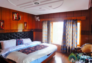 Deluxe Room in Guest House  Ladakh