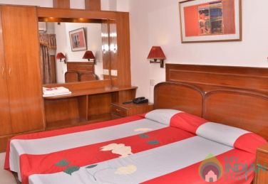 Super Deluxe Stay In Connaught Place, New Delhi