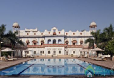 Comfortable Stay In Beautiful Palace With Swimming Pool In Bharatpur