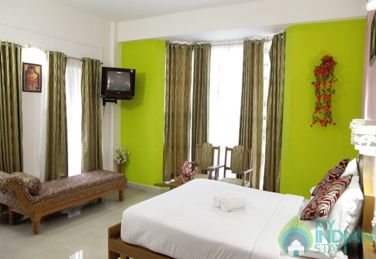 Honeymoon Suite Room with Accommodation Only