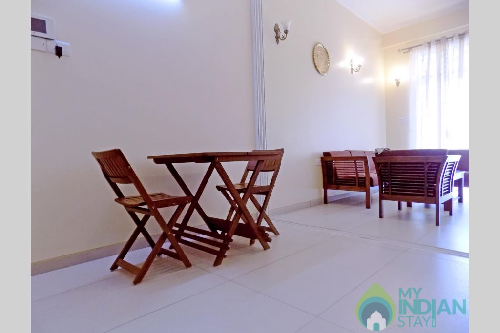 3 -Casamelhor Candolim Living Room in a Serviced Apartment in Candolim, Goa