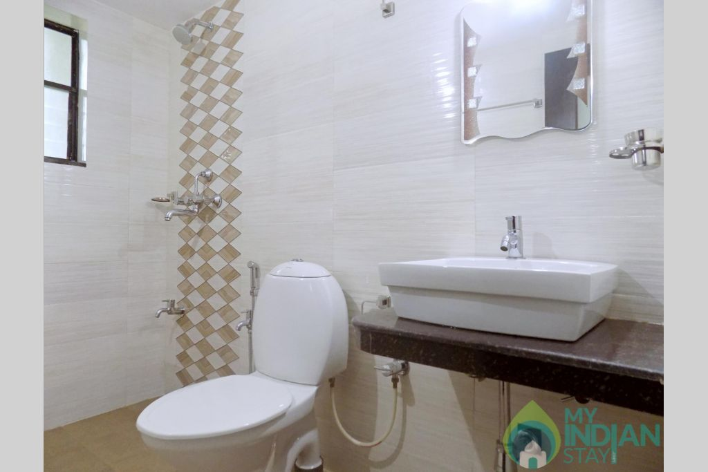 9 in a Serviced Apartment in Candolim, Goa
