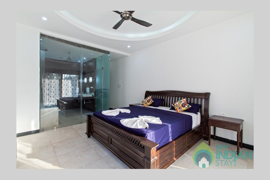 spacious-bedroom-with-ensuite-bathroom in a Villa in Calangute, Goa