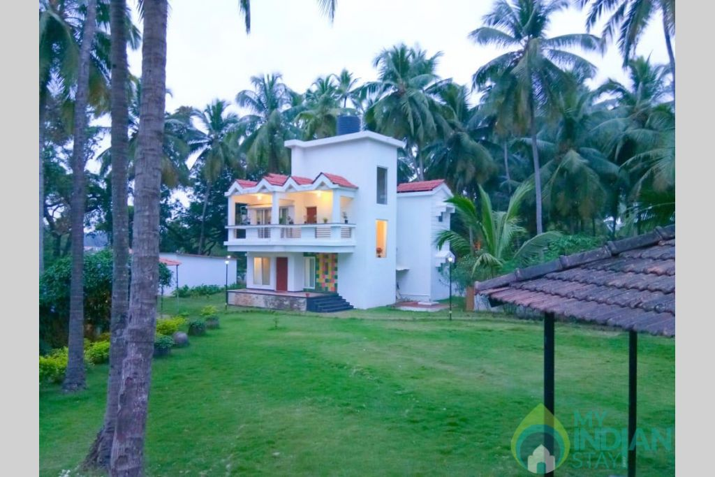 Ground in a Serviced Apartment in Calangute, Goa