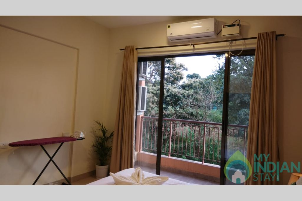 Master Bedroom 2 in a Self Catered Apartment in Reis Magos, Goa