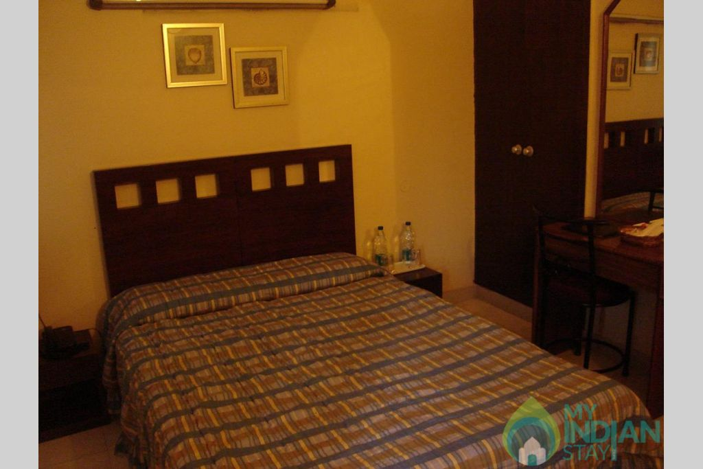 deluxe double room in a Guest House in New Delhi, Delhi