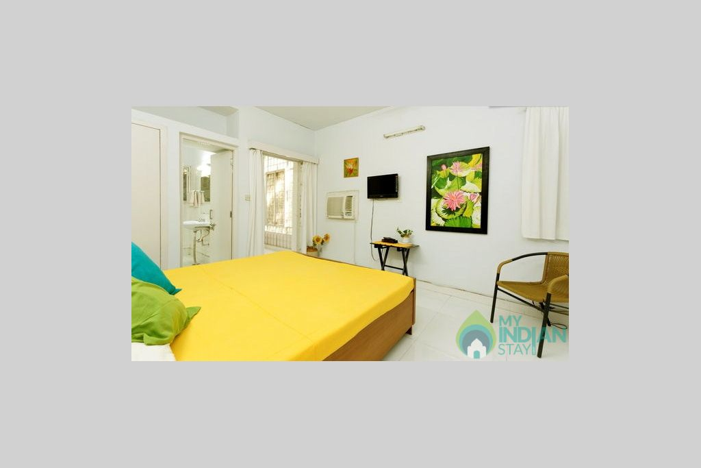 large (14)bed room in a HomeStay in New Delhi, Delhi
