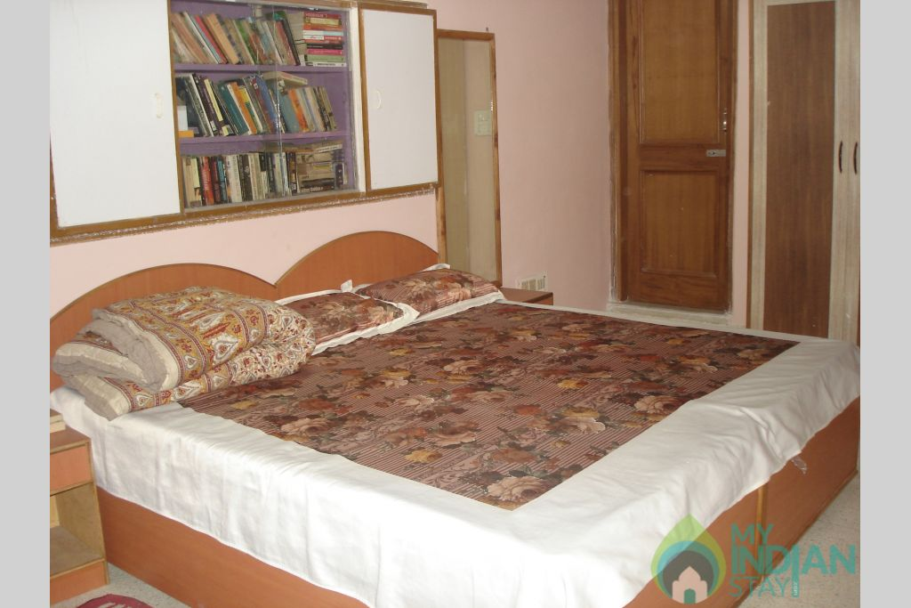 SHH ROOM-1 in a Bed & Breakfast in New Delhi, Delhi