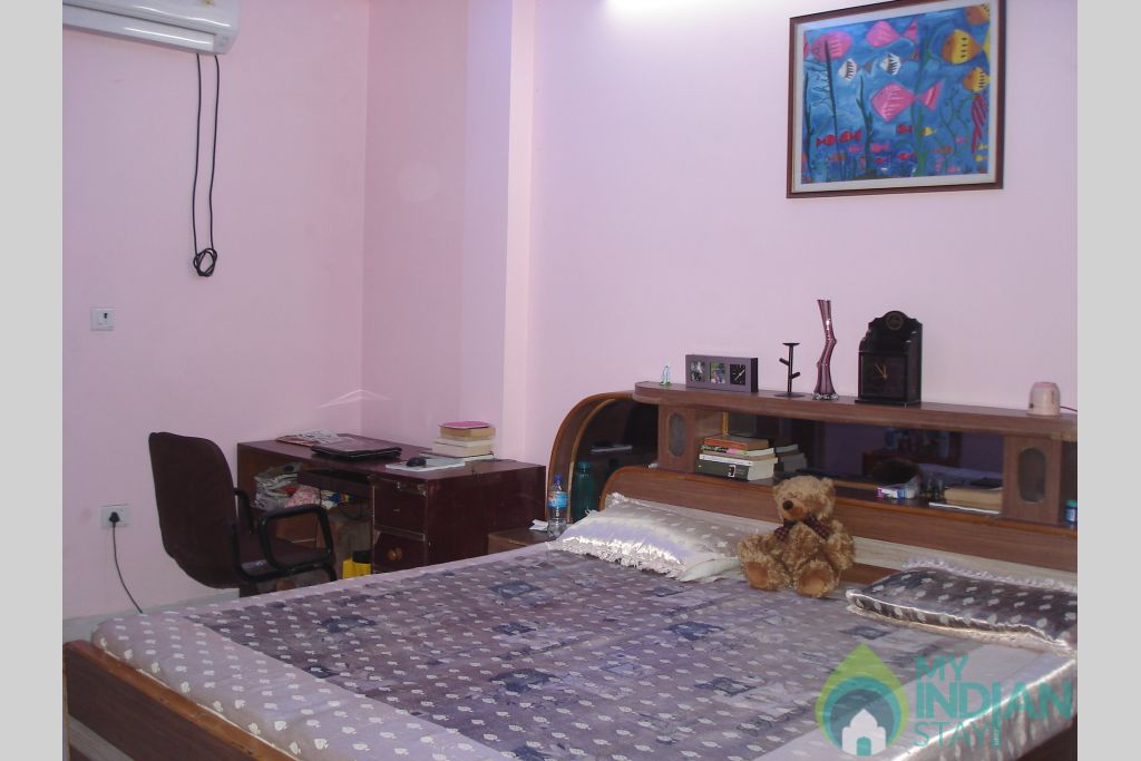 SHH ROOM-5 in a Bed & Breakfast in New Delhi, Delhi