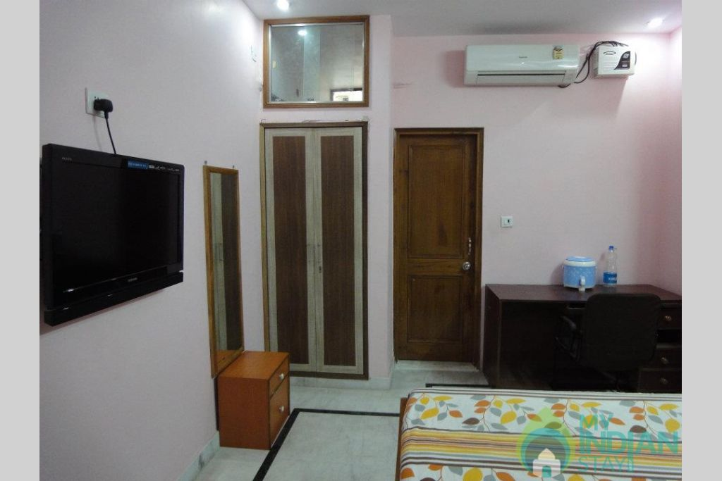 SHH ROOM -8 in a Bed & Breakfast in New Delhi, Delhi
