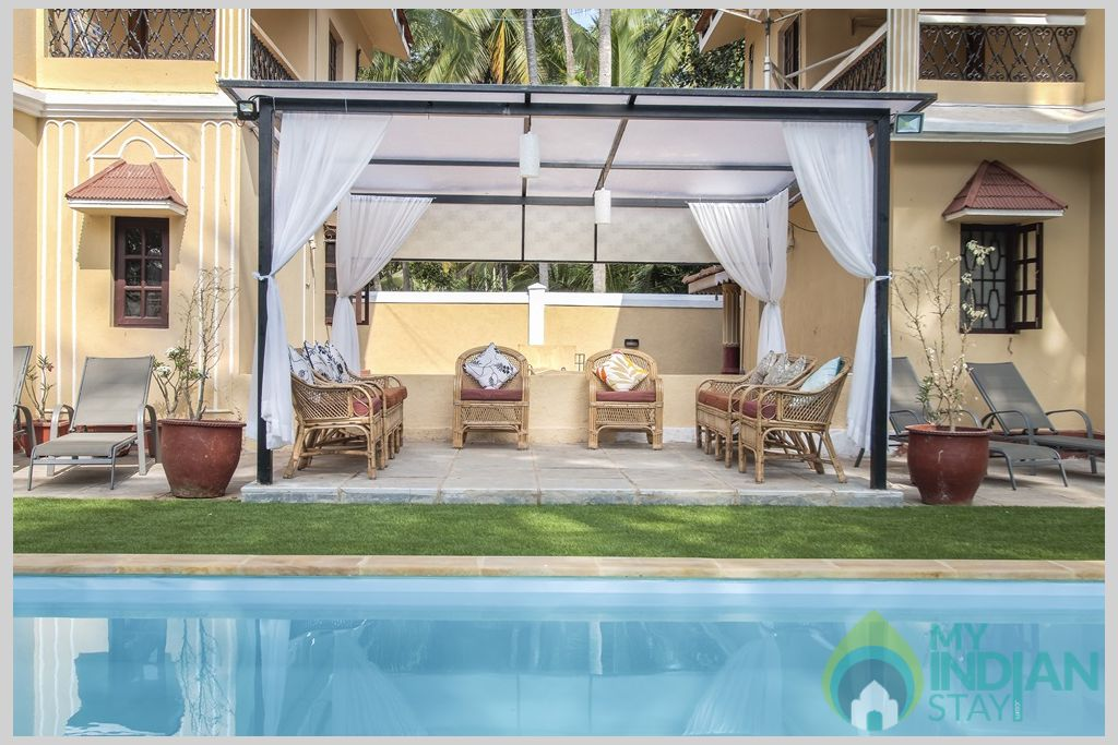 Swimming Pool- After a relaxing day at the beach and a wonderful warm shower, enjoy some family in a House in Calangute, Goa
