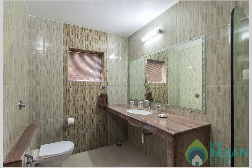 Blue En Suite Bathroom -After a relaxing day at the beach and a wonderful warm shower in a House in Calangute, Goa